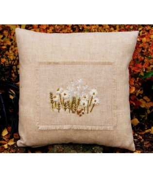 Moorland Daisies Cushion kit